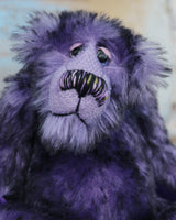 Griswald Grooch has beautiful, hand painted eyes with hand coloured eyelids, a splendid little nose embroidered from individual threads to match his colouring and he has a sweet, friendly expression