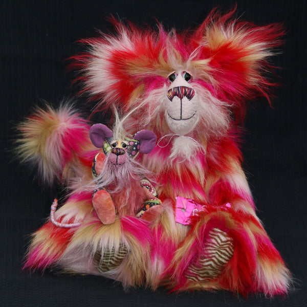 Mouski and Katchmouski are a fantastically wild and kooky, one of a kind artist mouse and cat by Barbara Ann Bears Katchmouski stands 12.5 inches( 31 cm) tall and is 11 inches (27 cm) sitting. Mouski stands just 5 inches (12.5 cm) tall and is 4 inches (10 cm) sitting, his tail is 5 inches (12.5 cm) long.