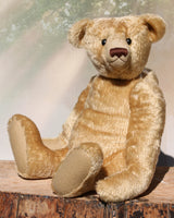 The Noogie Teddy Bear pattern makes a large, classical, traditional mohair Barbara-Ann Bear about 22 inches (55cm) tall.