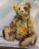 Wellington is a classical traditional teddy bear in hand dyed mohair by Barbara Ann Bears