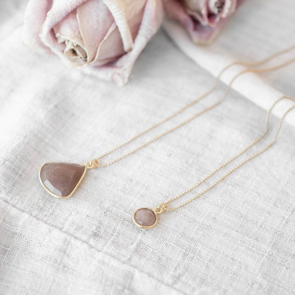 Luce Necklace | Peach Moonstone - Lia Lubiana