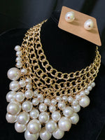 Chain and Pearls Necklace