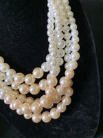 LightNude Pearl Necklace