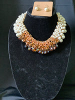 Nude Fall Pearls Necklace