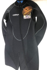 Akona 7mm Ladies 2 piece wetsuit Size 15/16