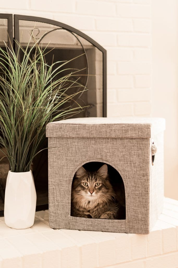 """The Kitty Corner"" Cat Bed & Cave"