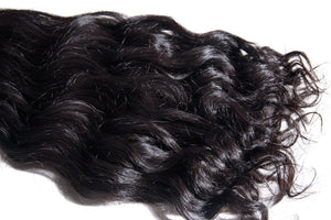 Grandiose Hair Indian Wavy Closeup