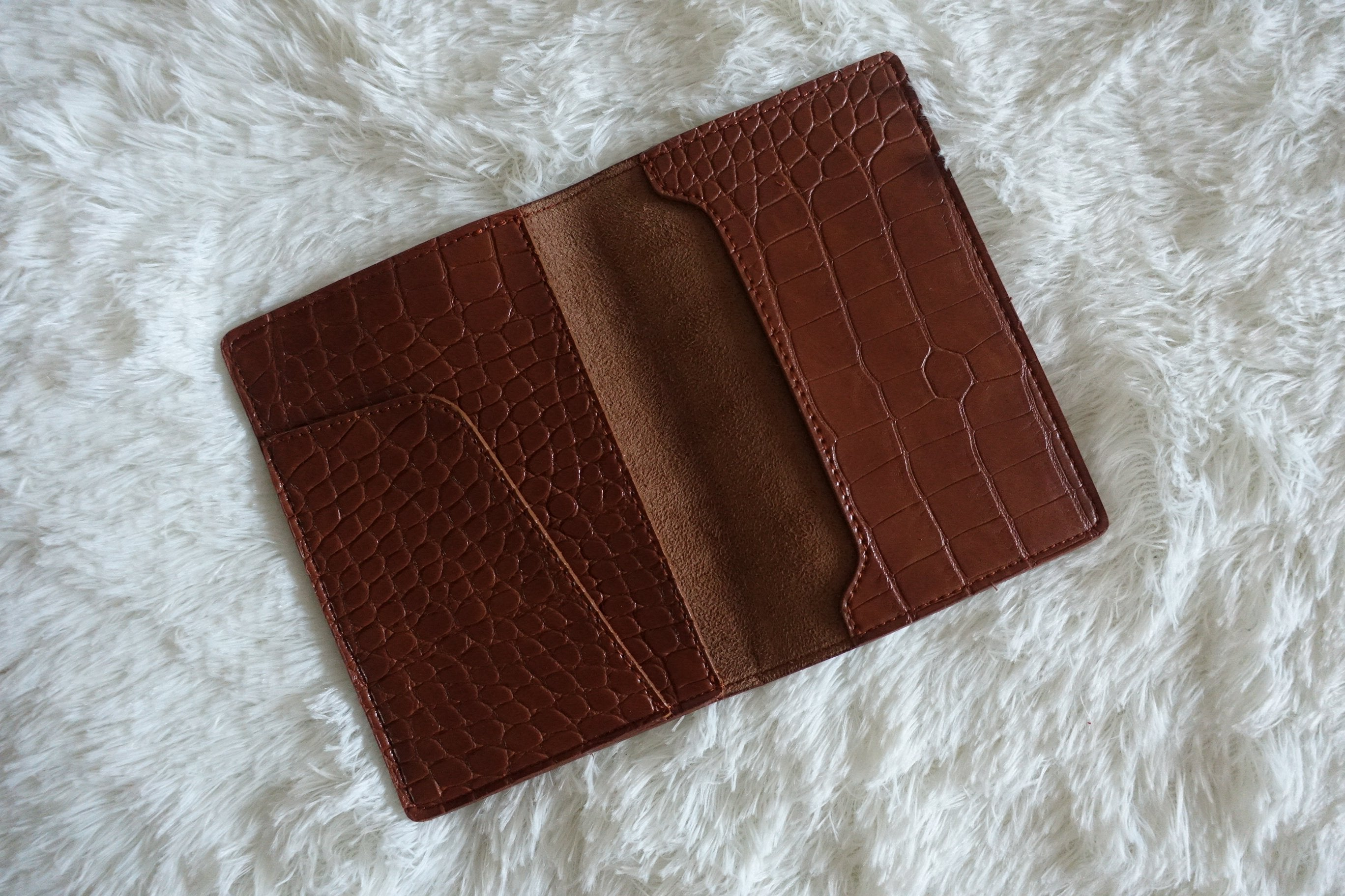 Stark Series Passport Holder for sale | Belleza