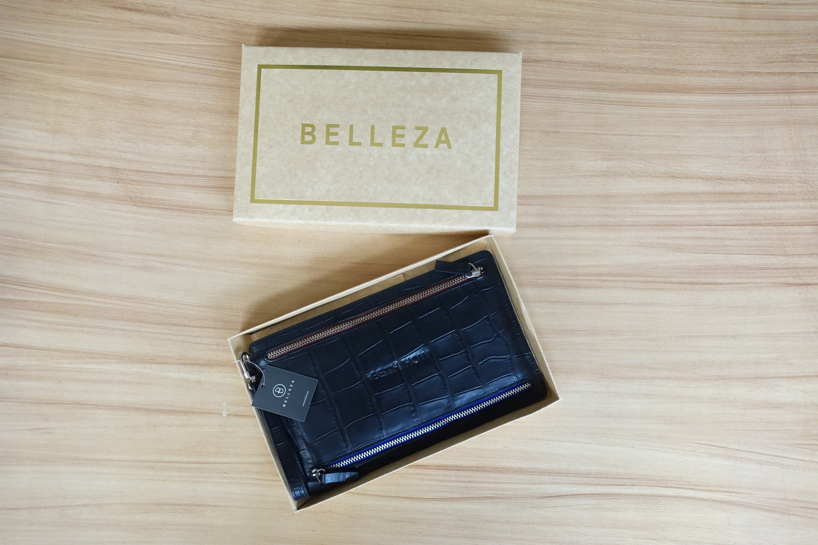 Quattro MultiCurrency Wallet by Belleza for Sale