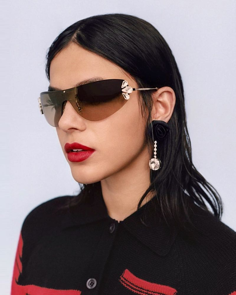 Calanovella Luxury Diamond Cat Eye Sunglasses Women Rimless One Piece Eyewear Sun Glasses Fashionable Metal Frame Crystal Rhinestone Glasses UV400