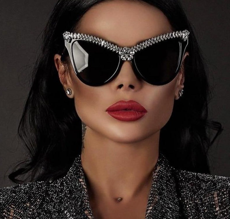Calanovella Stylish Oversized Cat Eye Crystal Diamond Rhinestones Sunglasses UV400