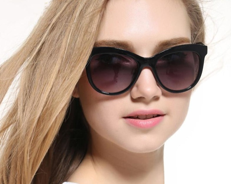 Calanovella Oversized Cat Eye Sunglasses for Women Retro Vintage Black Cateye Sun Glasses