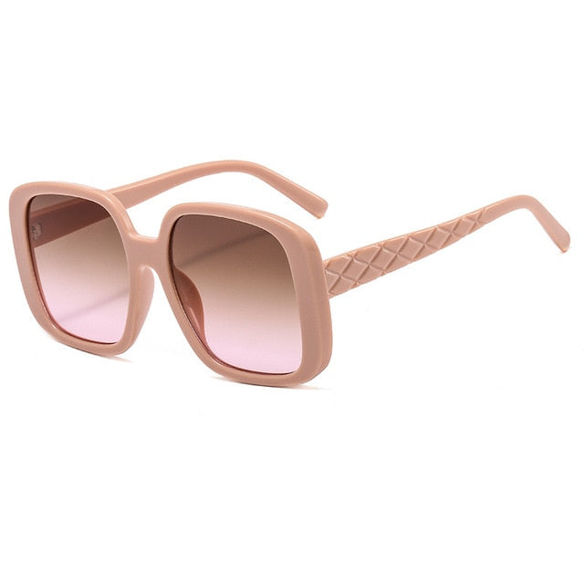 Calanovella Oversized Vintage Women Sunglasses 2020 Stylish Outfit Pink Glasses Trendy Vintage