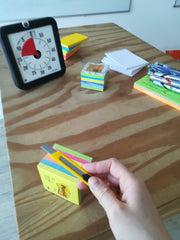 Trick 17: Post Its mit einem Cutter auspacken