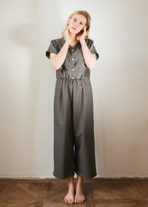 07 Light grey jumpsuit