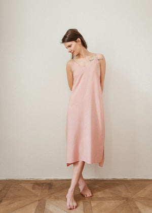 05 Dusty pink midi dress