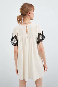 Constrasting Embroidery Dress