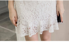 Round Neckline Lace Dress