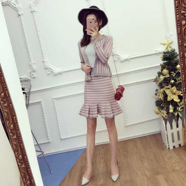 2017 Office Ladies Elegant Knit Cardigans + Step Skirt 2pcs Suits Short Slim Striped Sweater Tops Gray / One Size