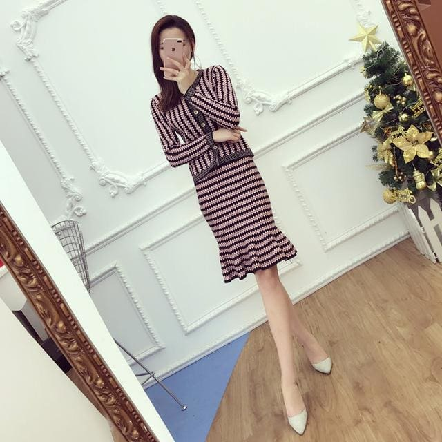 2017 Office Ladies Elegant Knit Cardigans + Step Skirt 2Pcs Suits Short Slim Striped Sweater Tops Black / One Size