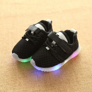 Baby Shoes Led Lights Soft Breathable Toddler Children Rubber Shoes Sneaker Net Bottom Sports Flash Shoes Summer New Arrival Hot