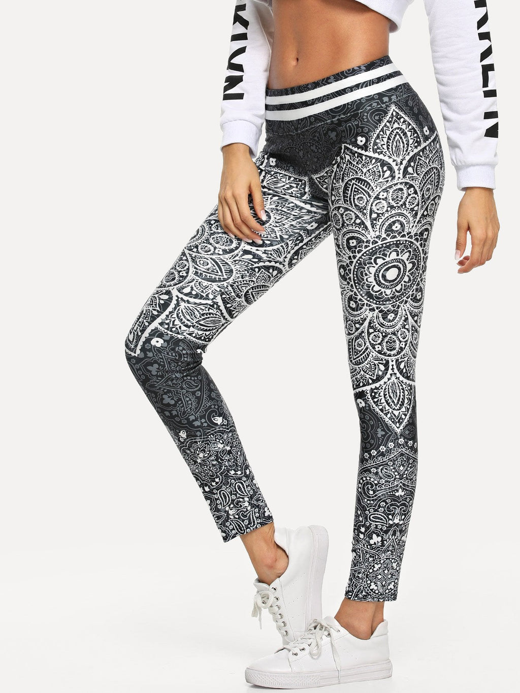Schmale Leggings mit Paisley Muster