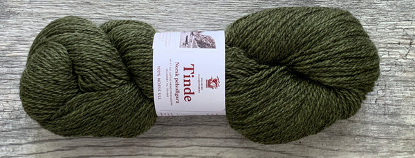 Hillesvåg Tinde - Farm to Cable Yarns