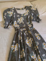Vintage Austrian pure cotton daisies puff sleeve buttoned dress