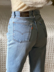 Levi's 881 light blue jeans W30/L32 cropped