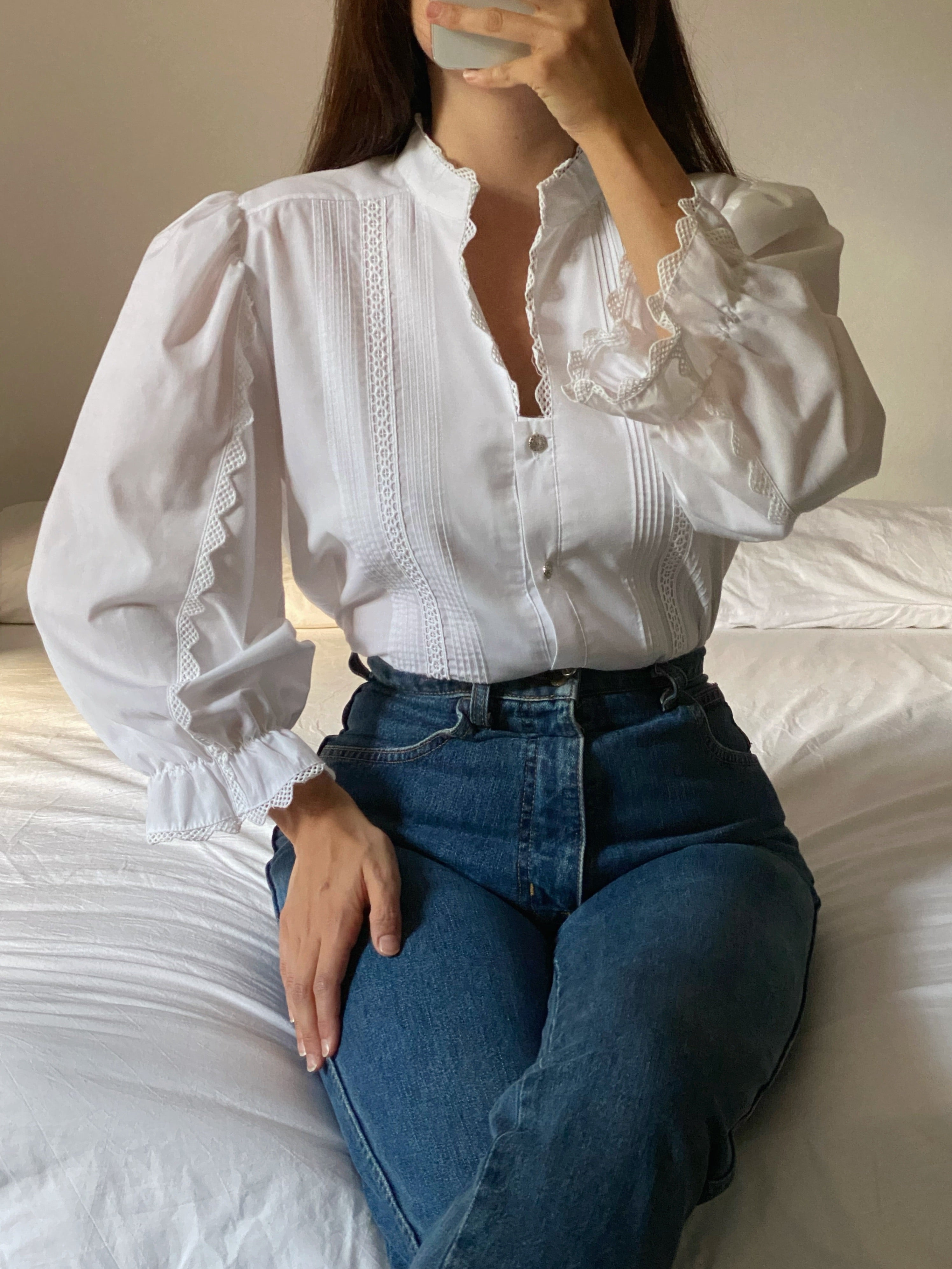 Vintage Austrian embroidered details puff sleeve blouse
