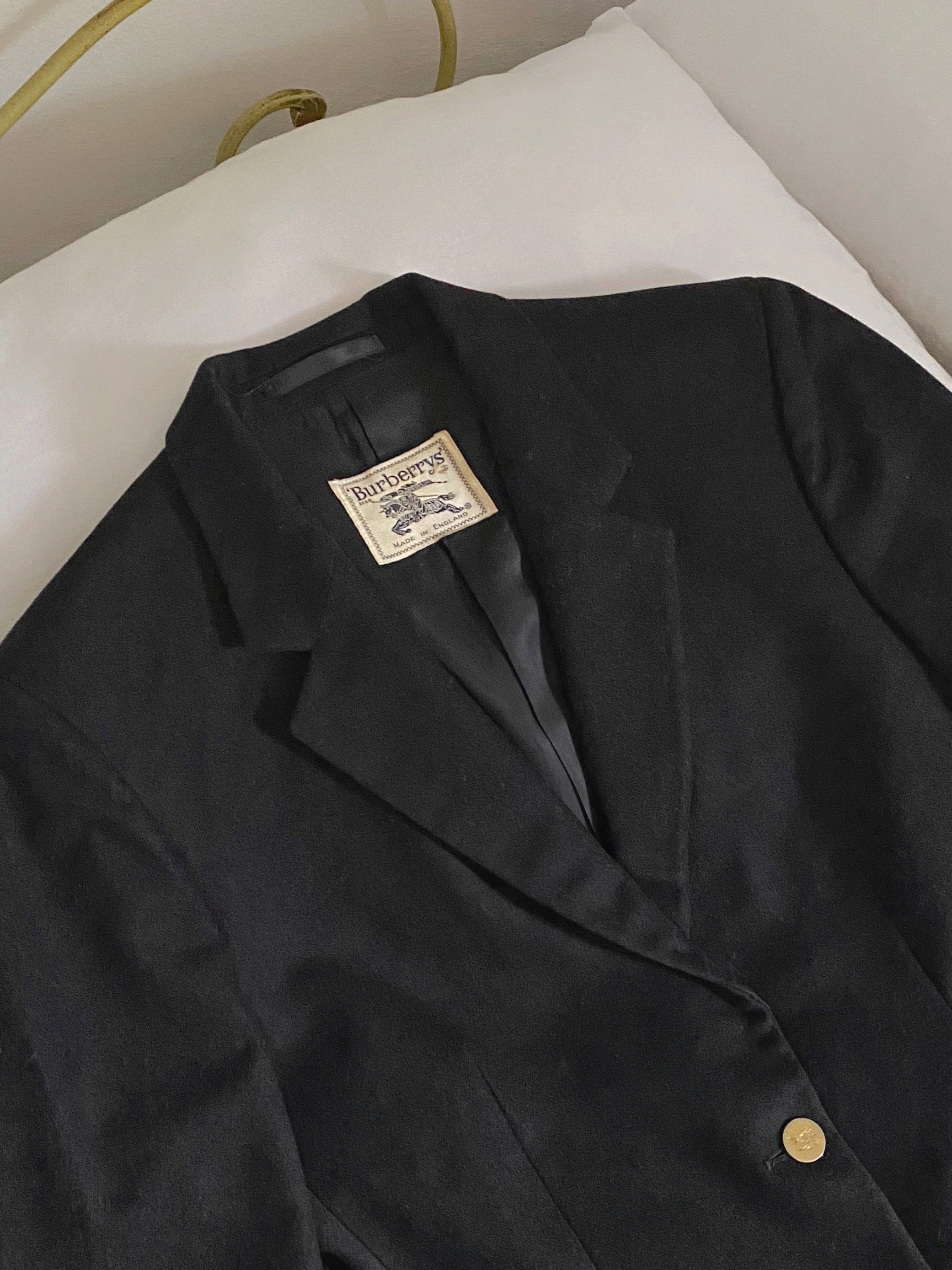 Vintage Burberry pure wool black blazer