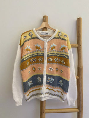 Vintage flowers embroideries maxi pastel cardigan