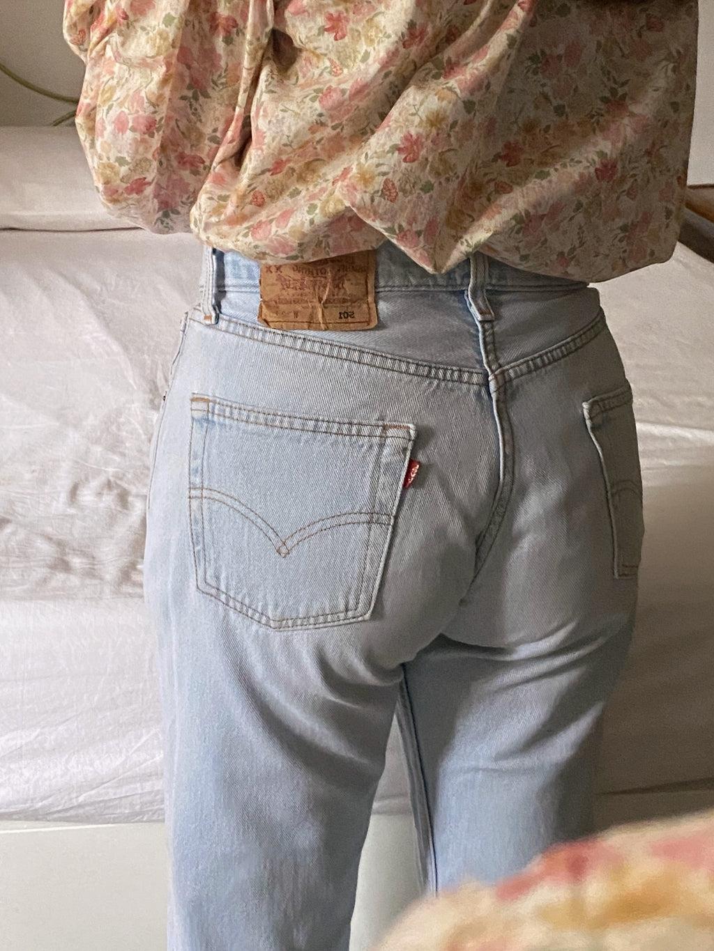 Vintage Levi's 501 light blue jeans W30 L34 cropped