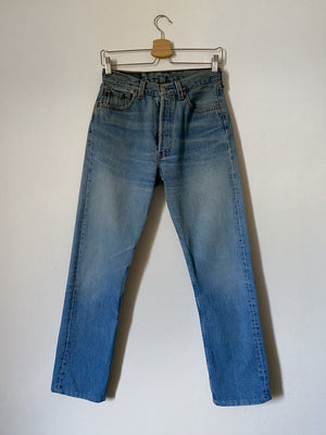Levi's 501 light blue jeans W29 L32 cropped
