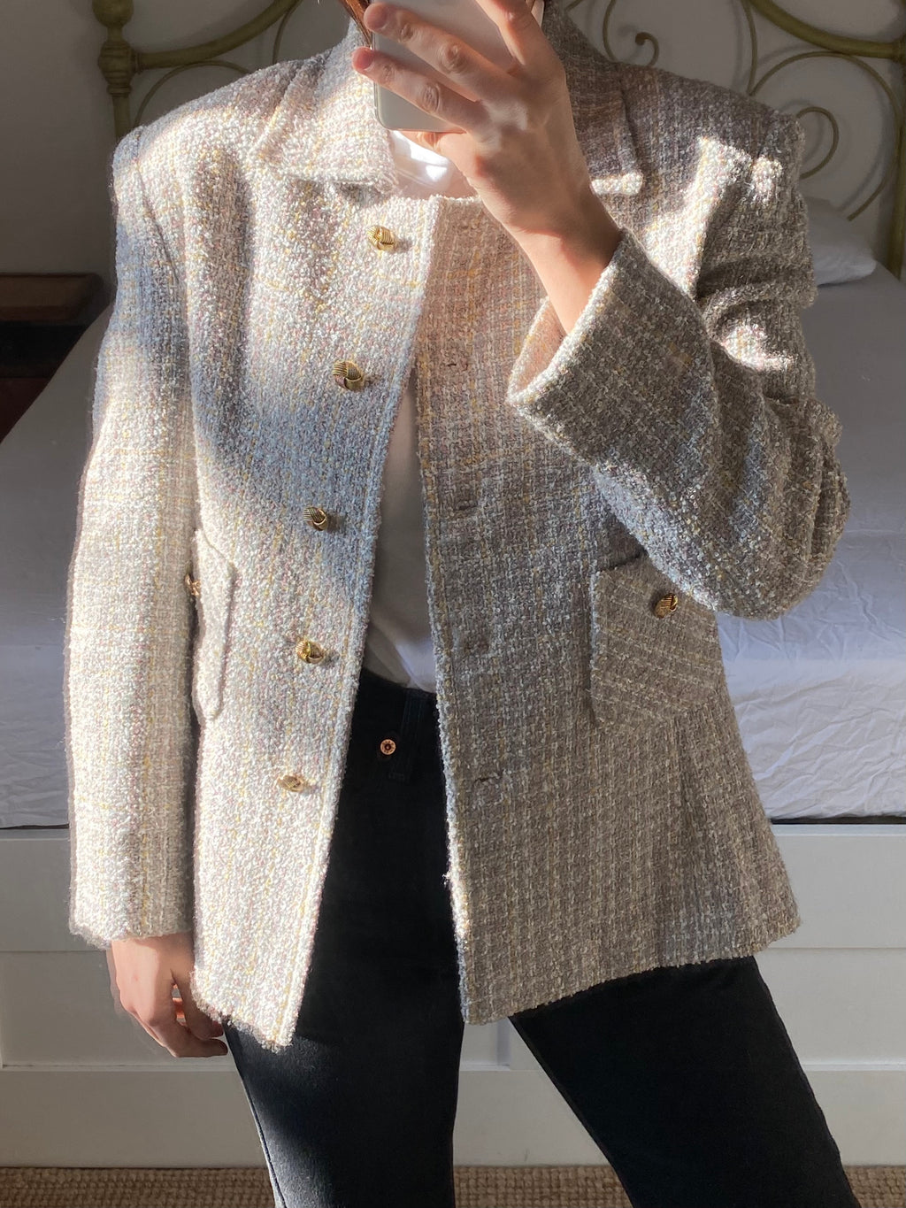 Vintage tailoring pastel jacket with jewels buttons