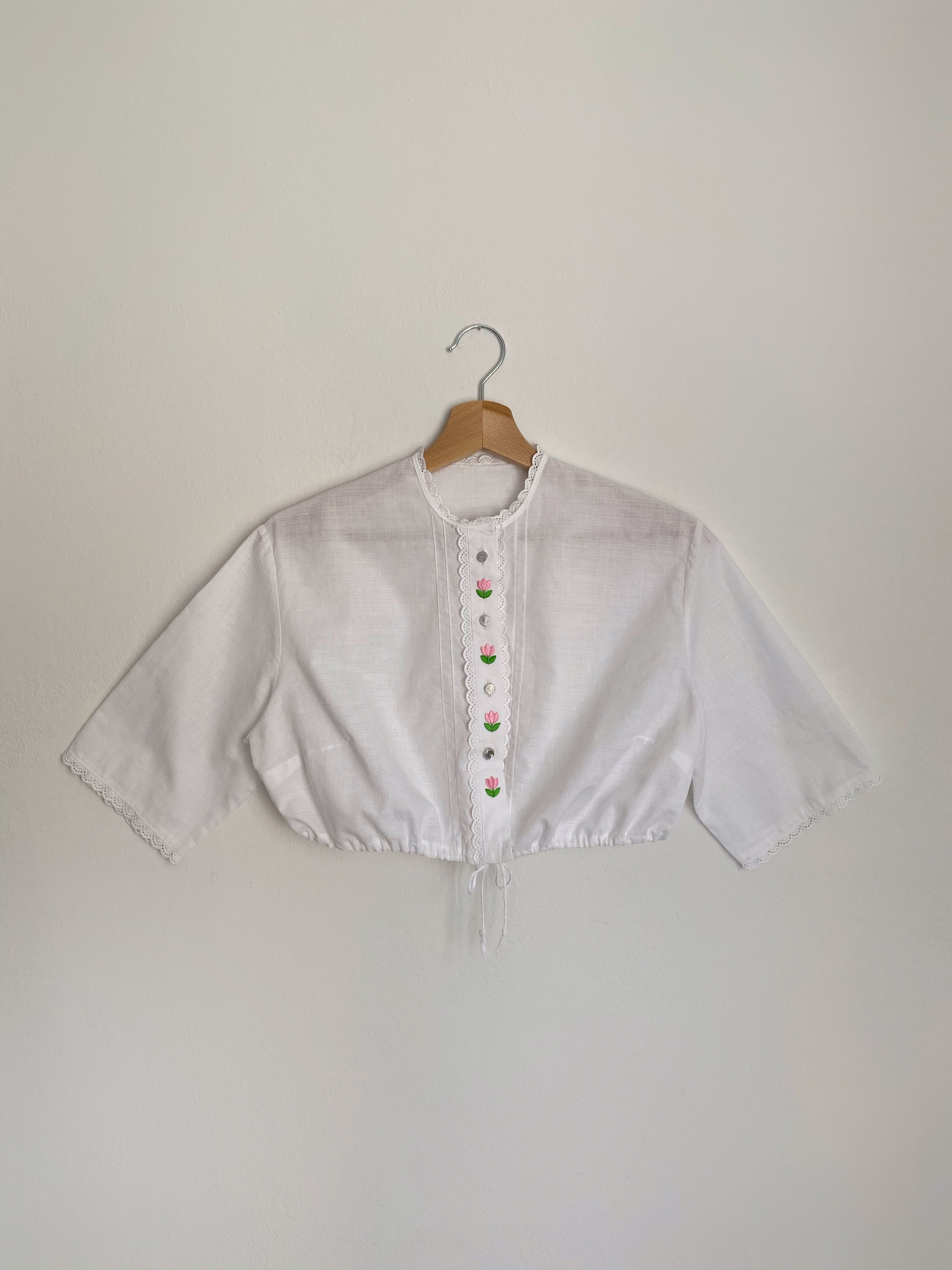 Vintage Austrian pure cotton flowers appliques buttoned crop top