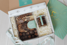 Gift Box of Taster's Choice and Green Lace Cookies