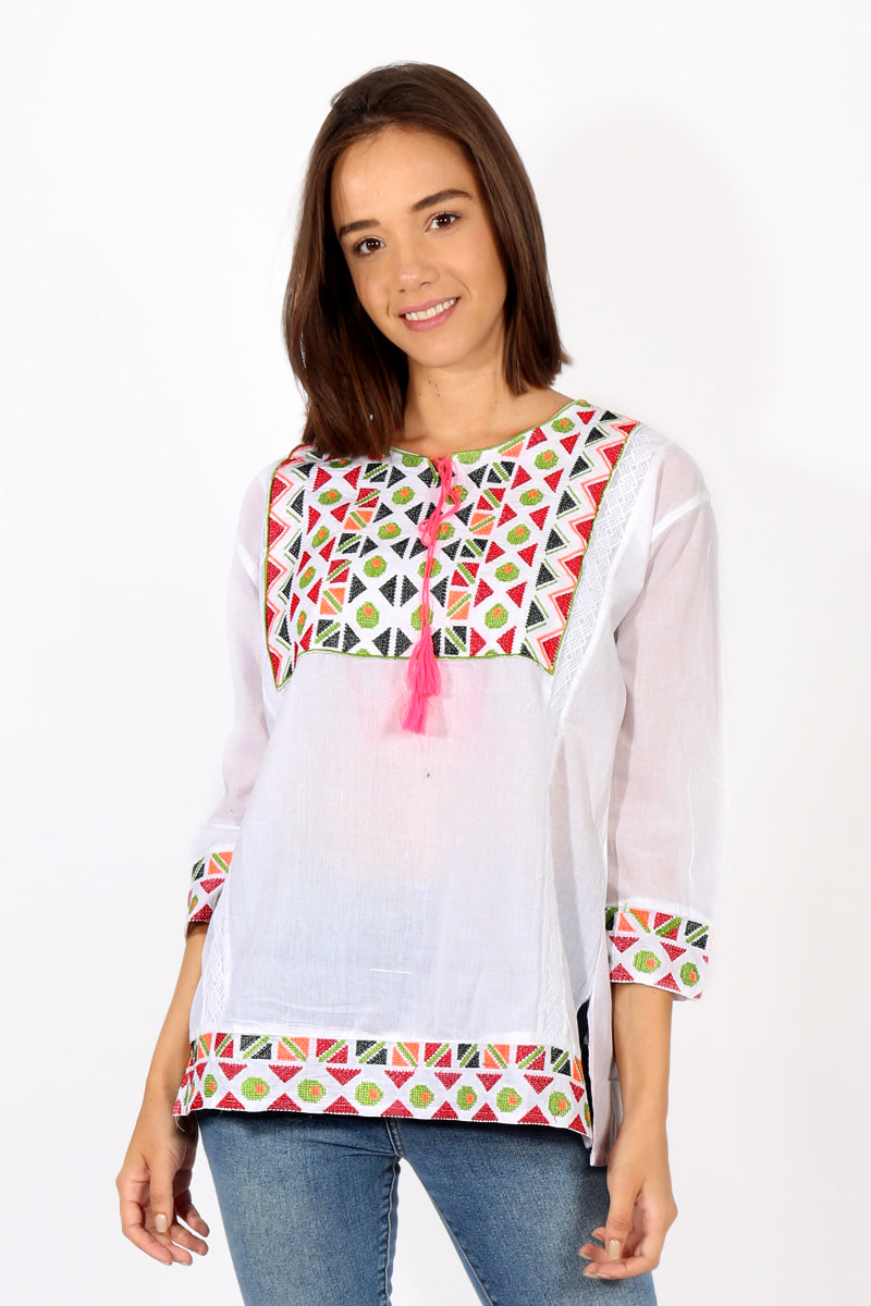 Blusa con Bordado en Punto de Cruz en Multicolor