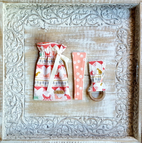Sleighing Song in Sweet Maple Teether Set - Sweet Little Baby Cakes