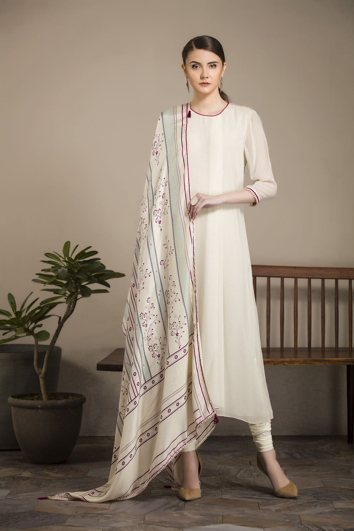Ivory Kurta with Printed Dupatta
