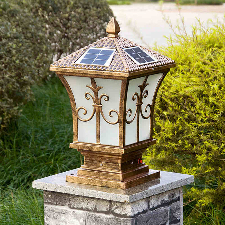 solar gate post light