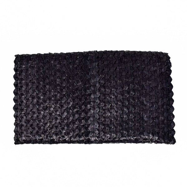 LIZZIE GRASS CLUTCH - ONYX BLACK