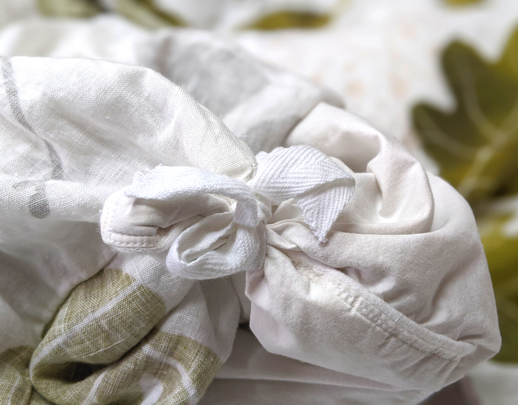 Organic European flax linen duvet cover with inner corner-ties to keep the duvet in place