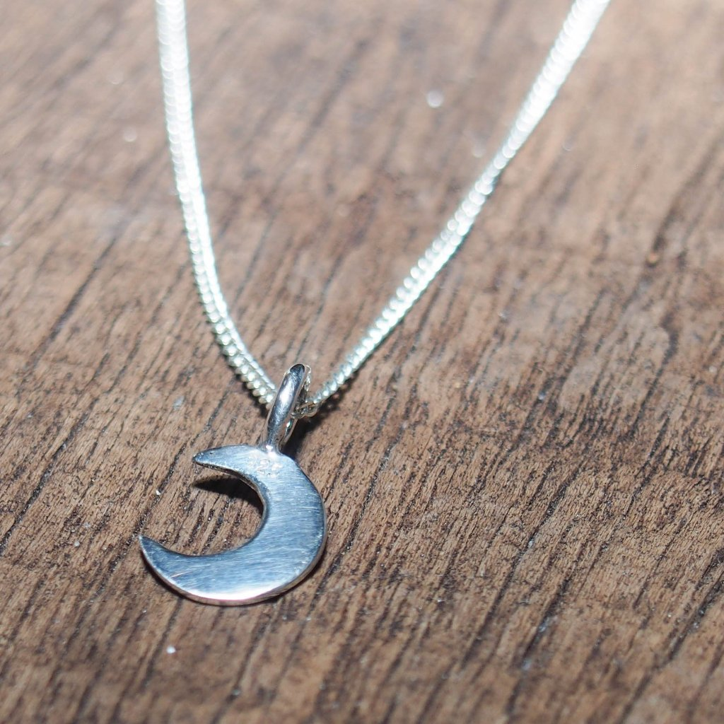 LITTLE LUNAR necklace