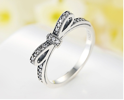 Sparkling BowKnot Diamond Ring