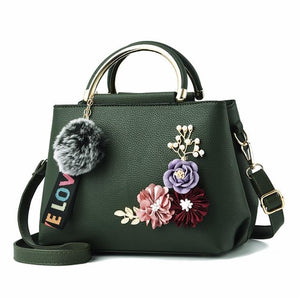 Fashionable Flowery Shell Leather Purse