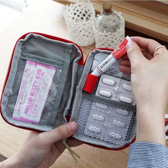 Small Medicine Kit Easy Carry Home Outdoor First Aid Emergency Medical Survival Kit Bag Wrap Gear Bag