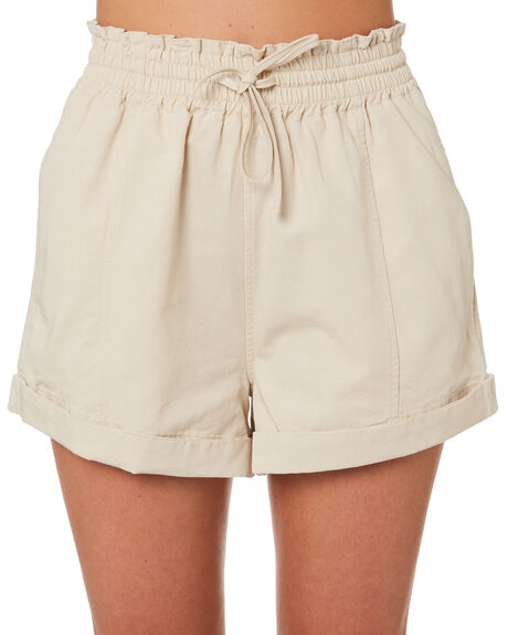 NATURAL WAISTED SHORT