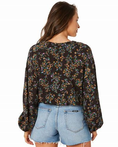 FLORAL MELODY TOP