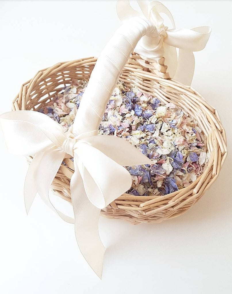 Flower girl basket with natural petal